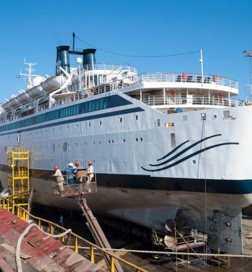 Standing Cruise Image